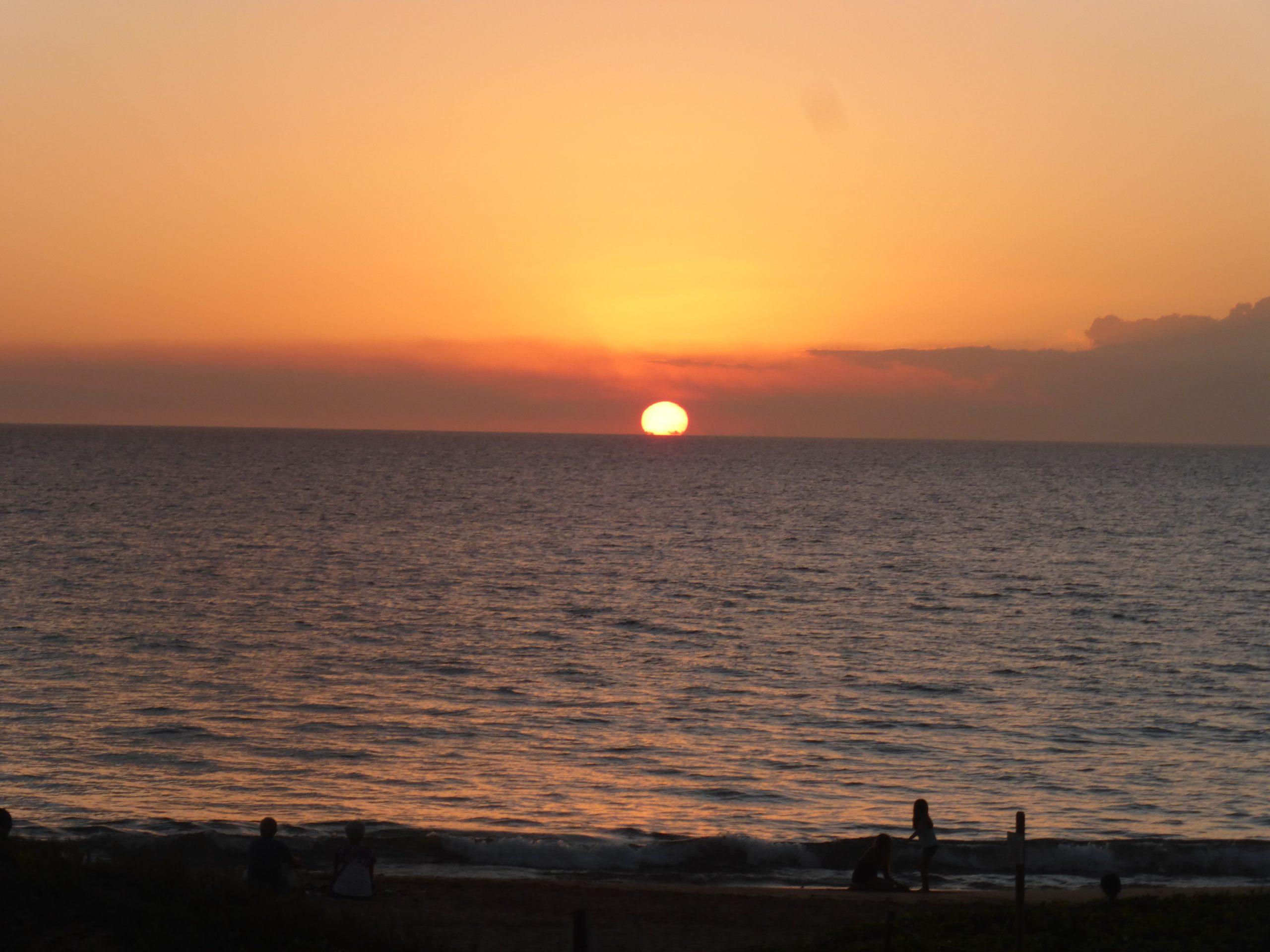 Kamaole II Beach Daily Sunset