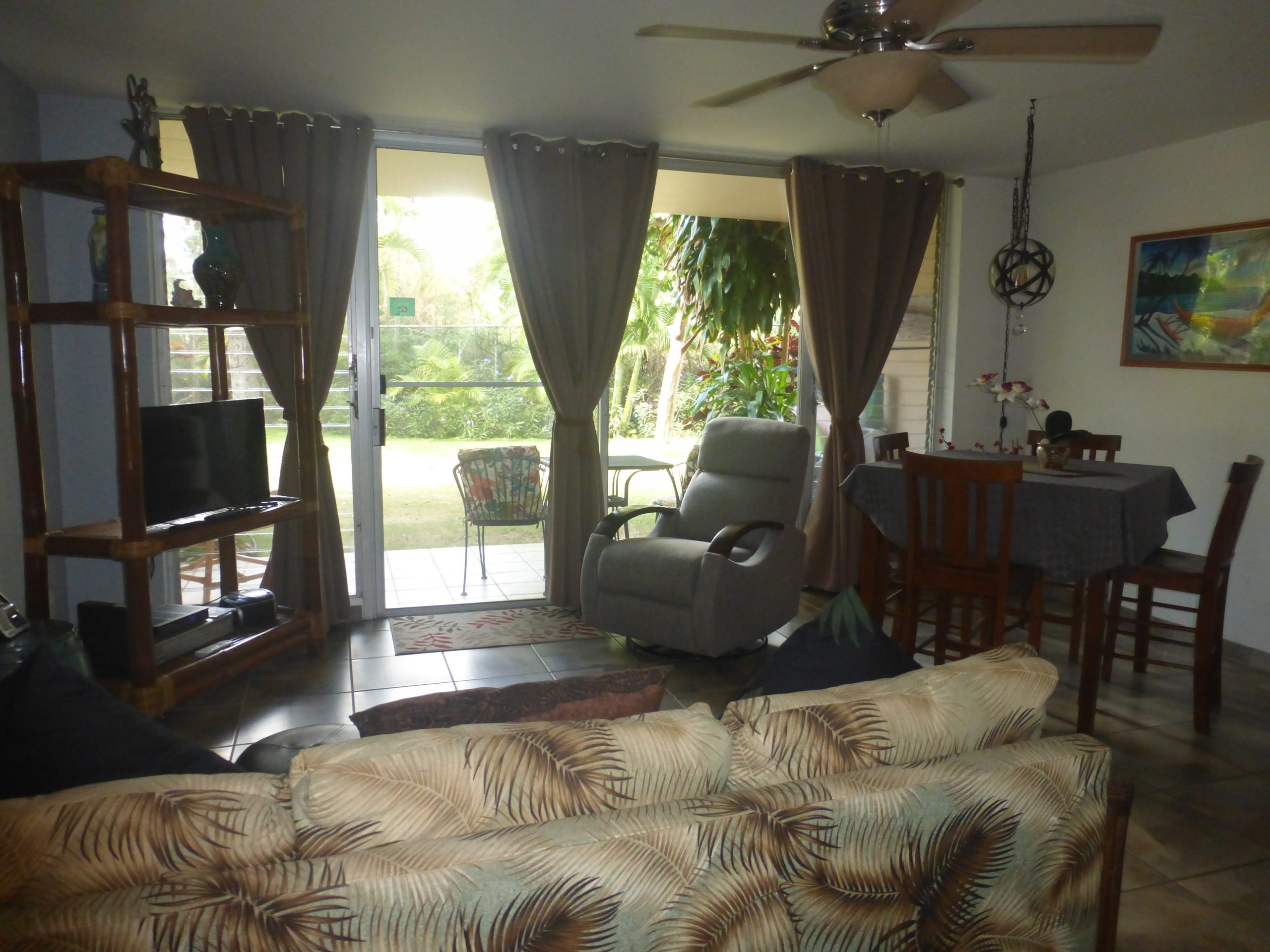 Living Area with Lanai view
